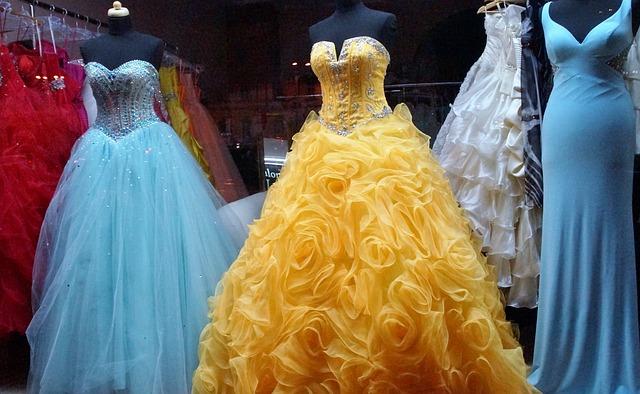 Dámske spoločenské šaty na každú príležitosť