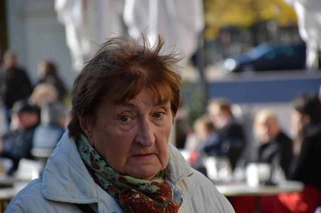31.000 slovenských dôchodcov v exekúcii za jeden mesiac
