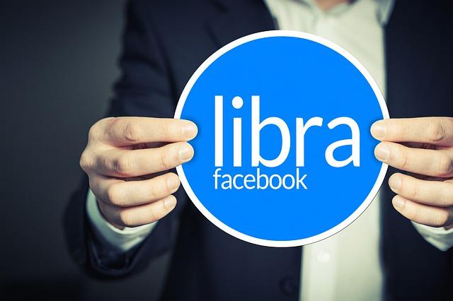 S virtuálnymi peniazmi, Facebook stavil na narušenie sveta